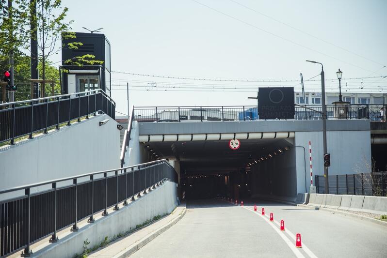 Ulica Nowe Podwale Grodzkie w tunelu pod Forum Gdańsk