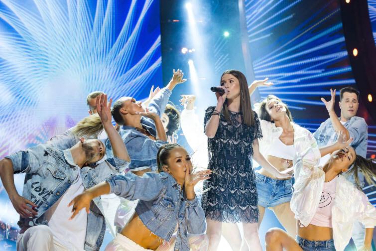 Roksana Węgiel może się pochwalić rzeszą fanów wśród młodszego pokolenia. Nz. wokalistka podczas Top Of The Top Sopot Festival w Operze Leśnej
