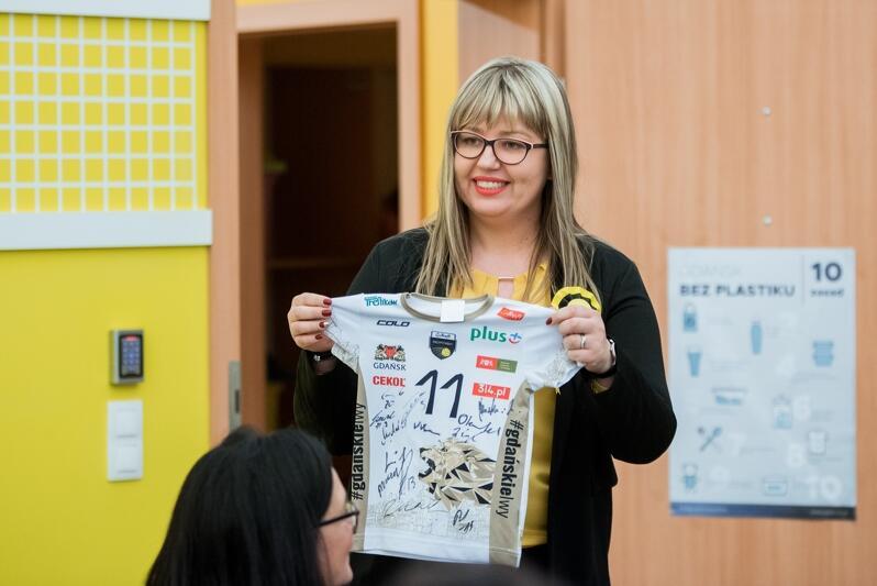 Beata Labuda jest kierowniczką Bursztynka , czyli Żłobka nr 11. To dzięki jej inicjatywie w Bursztynku powstał pierwszy w Polsce klub małego kibica siatkówki i Trefla Gdańsk. Trefl objął patronatem ten żłobek