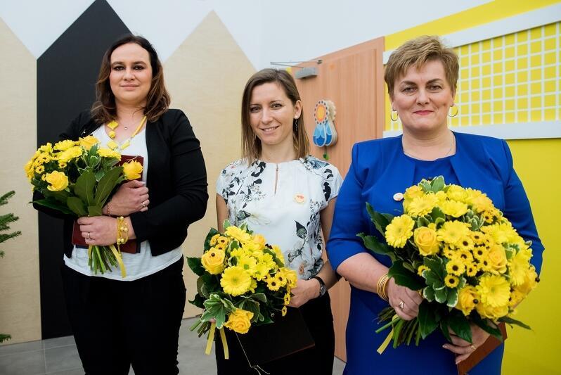Nz. od lewej: Natalia Szymczak ze żłobka nr 9 (wyróżnienie), Anna Bujakiewicz ze żłobka nr 12 (wyróżnienie), Małgorzata Skomska ze żłobka nr 6 (Opiekunka Roku 2019)