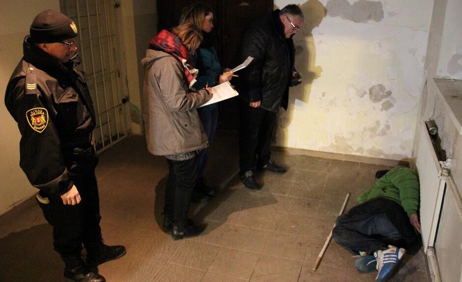 Liczenie bezdomnych - grudzień 2017 rok 1 - archiwum MOPR
