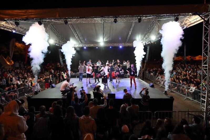 Beatboxowe konfrontacje to świetne widowiska, które przyciągają coraz liczniejszą publikę. Nz. finał beatboxowej bitwy podczas festiwalu Gdańsk Dźwiga Muzę w 2017 roku