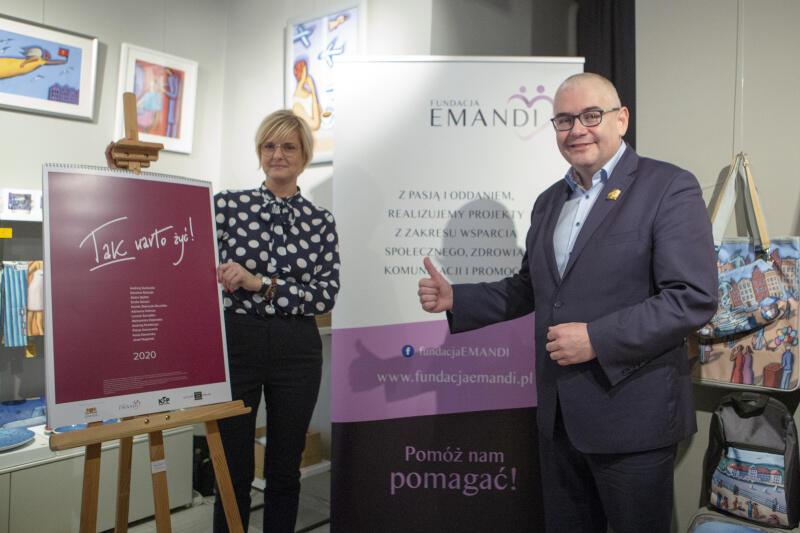 Emilia Salach z Fundacji Emandi i Piotr Kowalczuk, zastępca prezydenta Gdańska ds. edukacji i usług społecznych