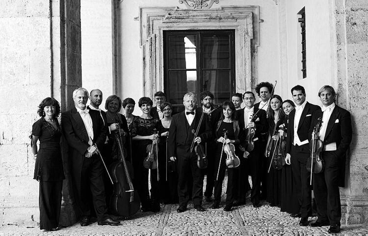 Dziś, 11 grudnia - koncert otwarcia. Fabio Biondi i jego zespół Europa Galante zagrają La Stravaganza  Antonio Vivaldiego. W relacji radiowej w przerwie posłuchamy rozmów Magdaleny Łoś i Klaudii Baranowskiej z Fabiem Biondim oraz dyrektorem artystycznym Festiwalu Filipem Berkowiczem