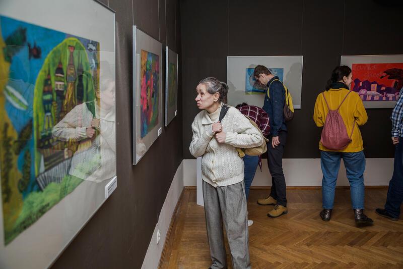 """Prace wystawy """"Dwa Światy"""" oglądać można w Narodowym Muzeum Morskim do 31 marca 2020 roku"""