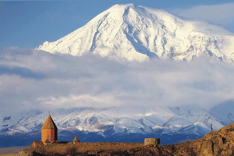 Związek Ormiański w Gdańsku promuję ormiańską historię, język, kulturę, sztukę i tradycję wielowiekowej obecności Ormian na ziemiach polskich