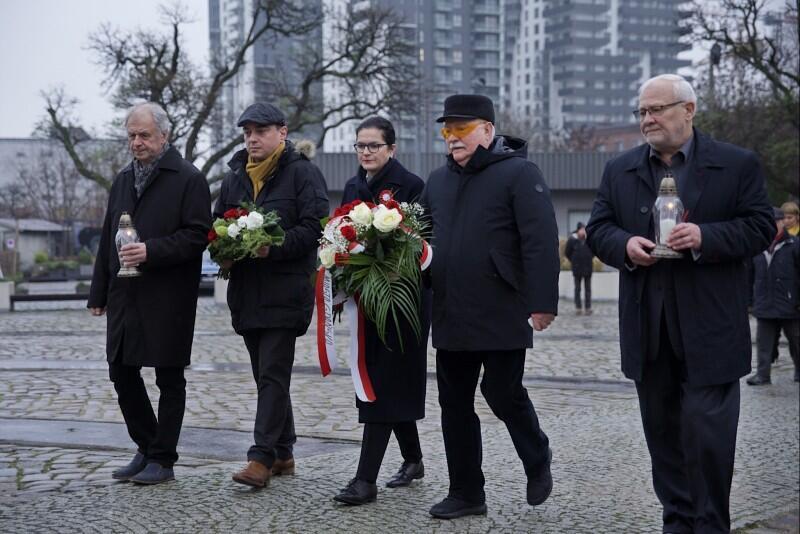 Plac Poległych Stoczniowców. 38. rocznica wprowadzenia stanu wojennego