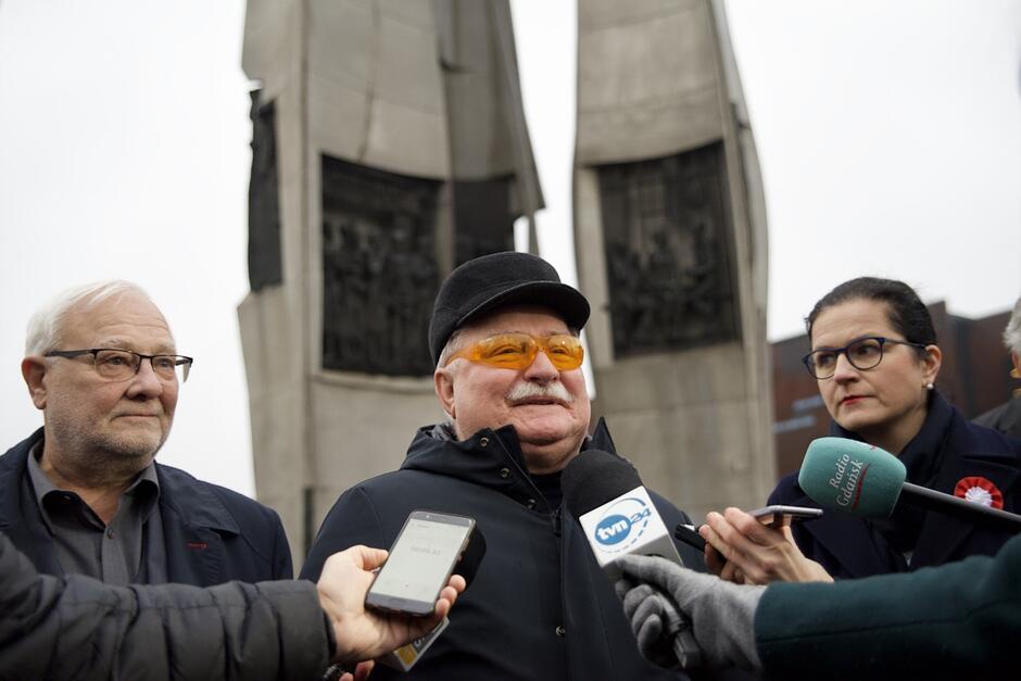 Lech Wałęsa uważa, że projekt PiS nowelizacji ustawy o sądach to stan wojenny w sądownictwie