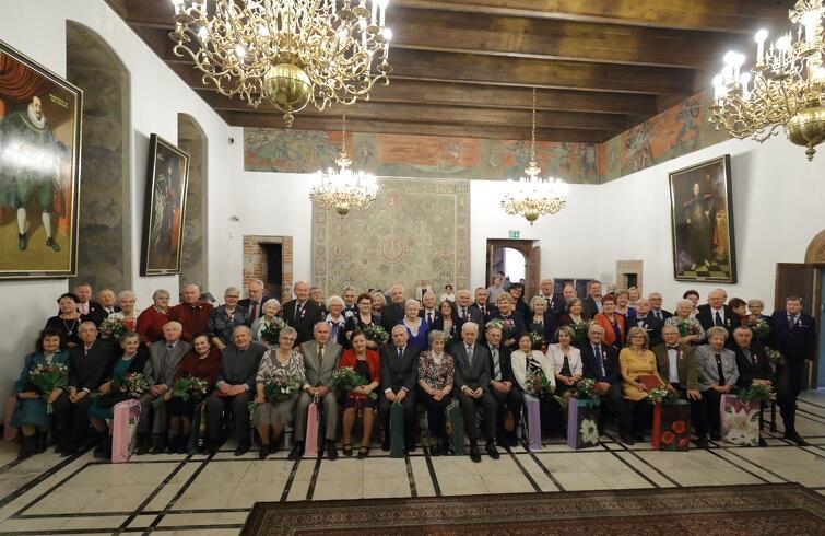 Podczas uroczystości, która odbyła się w Wielkiej Sali Wety Ratusza Głównego Miasta, gdańscy małżonkowie otrzymali Medale za Długoletnie Pożycie Małżeńskie, przyznawane przez prezydenta RP. To jedyne odznaczenie przyznawane przez głowę państwa za staż małżeński