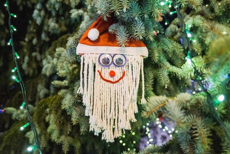 Podczas warsztatów uczestnicy dowiedzą się jak stworzyć efektowne ozdoby świątecznych w duchu zero waste