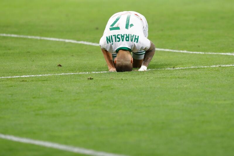 Po meczu z Rakowem Częstochowa, żaden z piłkarzy Lechii nie miał prawa schodzić z murawy z podniesioną głową - nawet Lukas Haraslin, któremu zwykle nie brakuje serca do gry i umiejętności
