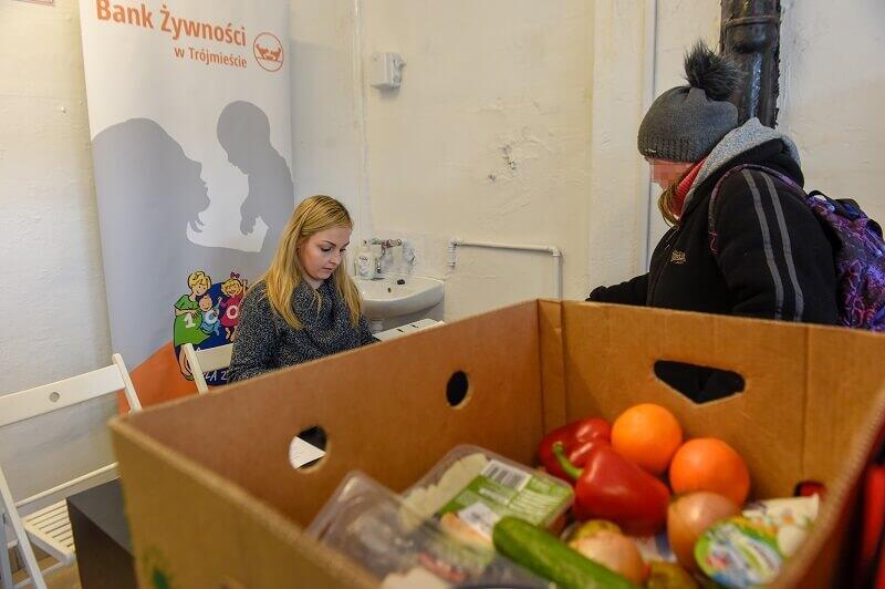 Sklep Społeczny `Za Stołem` w Nowym Porcie działa już od 10 miesięcy, w towar zasila go i prowadzi Bank Żywności w Trójmieście