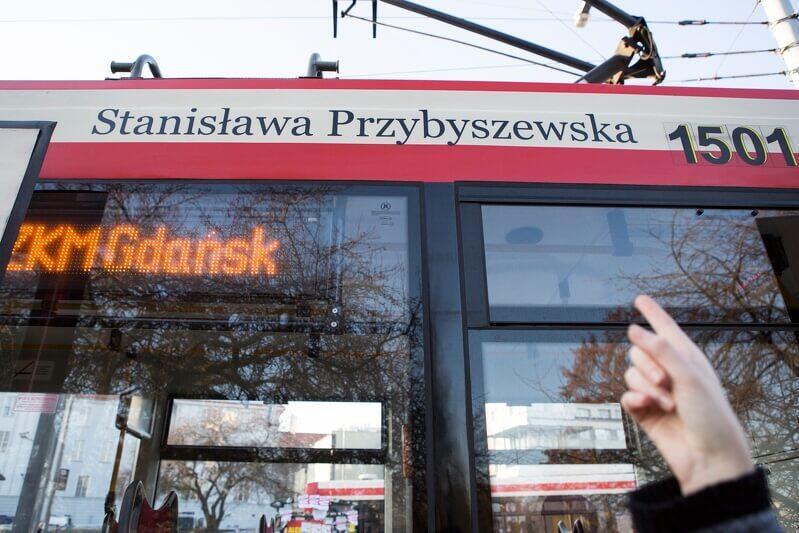 Listopad 2015 r., uroczystość nadania imienia pisarki Stanisławy Przybyszewskiej tramwajowi Konstal 114Na (rok prod. 1997), pierwszemu niskopodłogowemu w Polsce