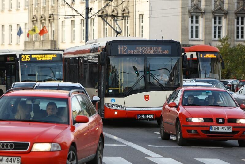 ZTM przygotował specjalne sylwestrowo-noworoczne rozkłady jazdy komunikacji publicznej