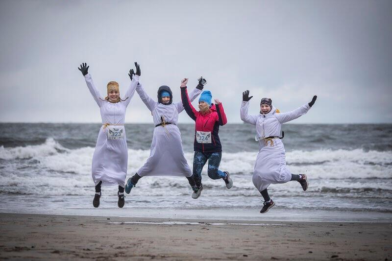 5-kilometrowy bieg rozpoczął się na plaży