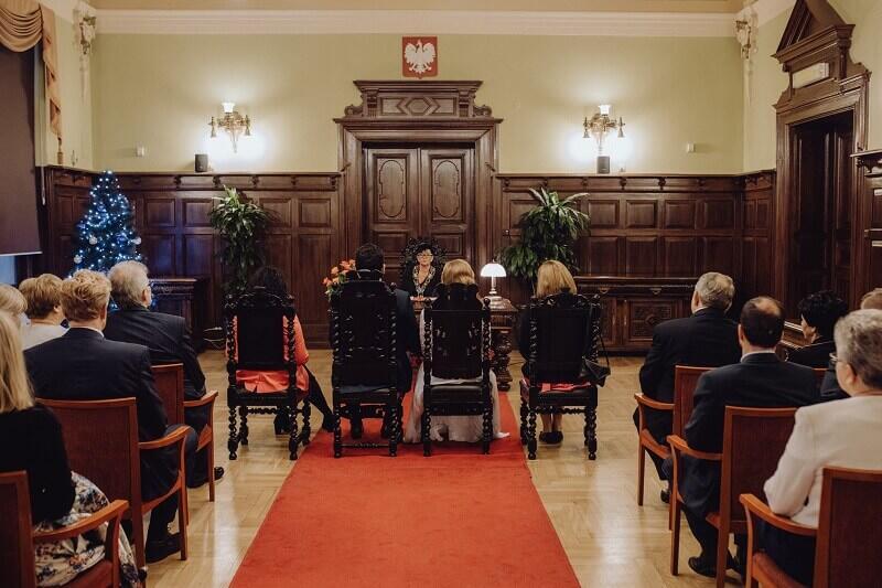Grażyna Gorczyca kierownik Urzędu Stanu Cywilnego w Gdańsku udziela rocznie ok 300 ślubów, jak podkreśla - stara się by każdy był tym najważniejszym, wyjątkowym