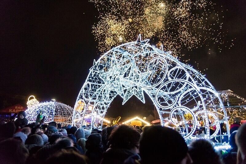 Ślub w sylwestra? Cały świat świętuje z nami!; nz. gdański sylwester na Targu Węglowym w 2018 r.