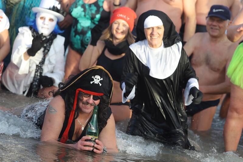 Pirat, zakonnica i wielu innych