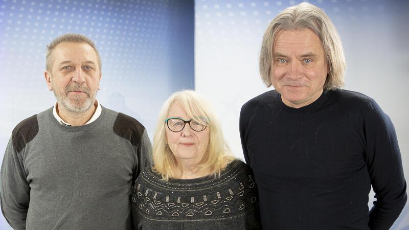 Od lewej: Mirosław Mróz ze szkoły Fregata oraz Elwira Twardowska i Michał Juszczakiewicz ze Stowarzyszenia SUM