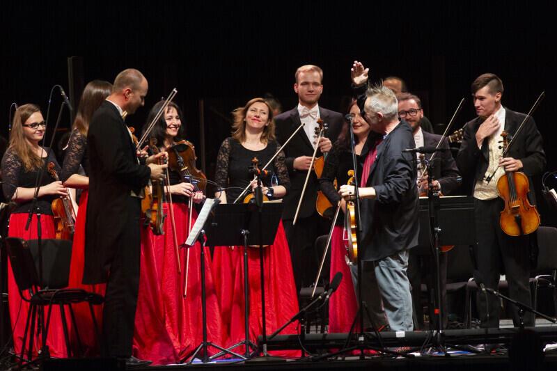 Cappella Gedanensis wprowadzi nas w karnawałowy nastrój. Nz. koncert z Nigelem Kennedym w Starym Maneżu