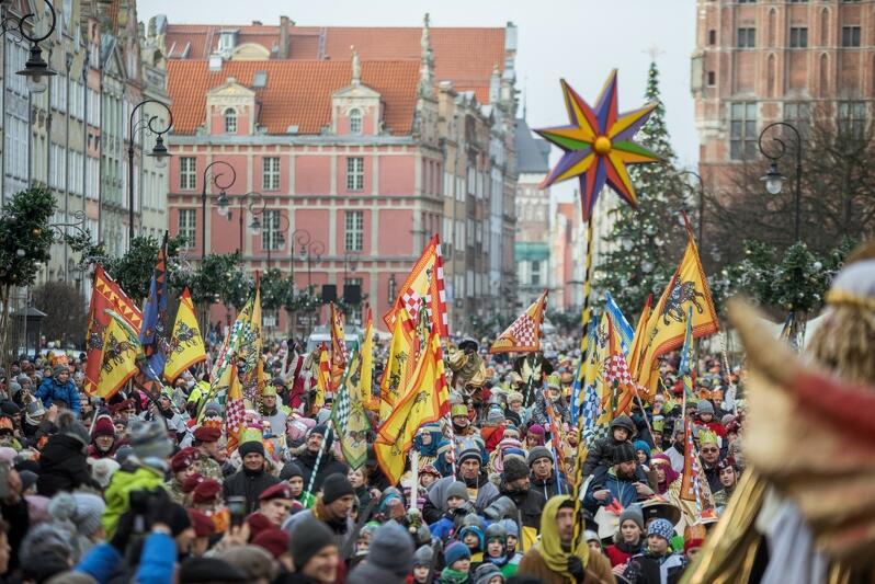 Gdański Orszak Trzech Króli to wydarzenie, które co roku przyciąga tysiące gdańszczan i turystów. W tym roku pogoda bardzo dopisała, co przełożyło się na fantastyczną frewkencję
