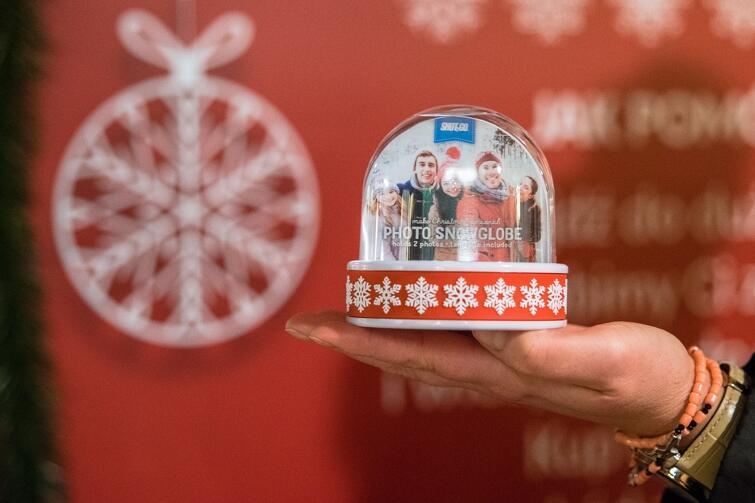 Dzięki ogromnej śnieżnej kuli zebrano ponad 67 tys. na rzecz Fundacji Hospicyjnej