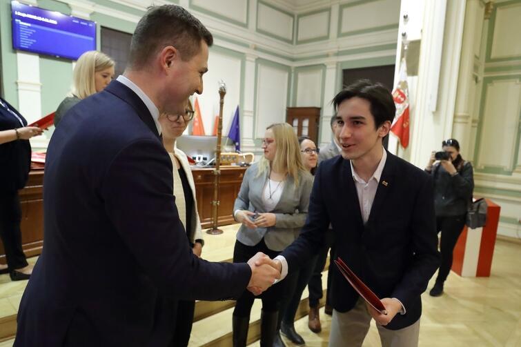 Przewodniczącym młodzieżowych radnych został Jakub Hamanowicz