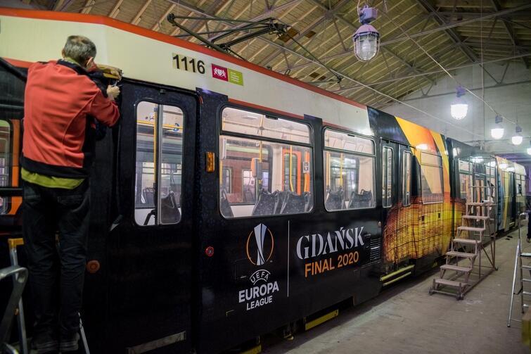 Po gdańskich torach kursuje już tramwaj promujący tegoroczny finał Ligi Europy