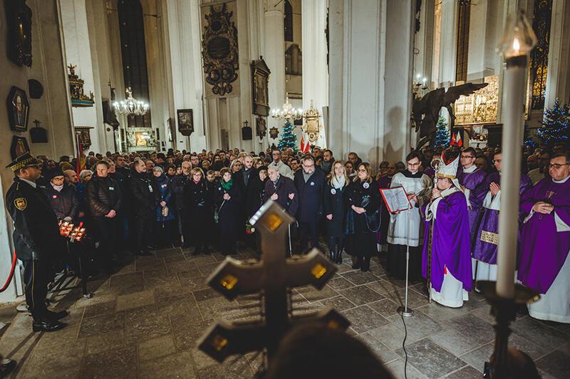We wtorek, 14 stycznia, odprawiono uroczystą mszę św. w intencji prezydenta Pawła Adamowicza