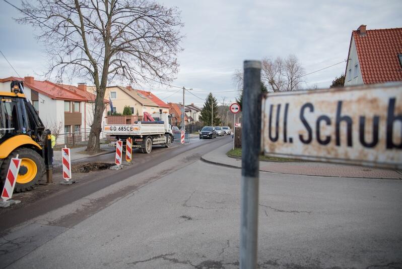 W środę, 15 stycznia, doszło do awarii sieci wodociągowej przy ul. Schuberta
