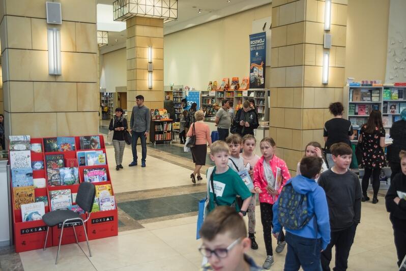 Rok temu po raz ostatni buszowaliśmy w książkach w budynku Filharmonii Bałtyckiej na Ołowiance. III Gdańskie Targi Książki odbędą w Amber Expo