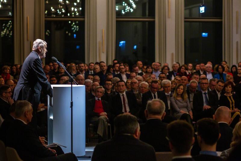 Debata Rozmowy na szczycie. O gospodarce z widokiem na przyszłość  Nz. prof. Dariusz Filar