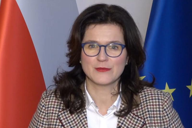 Kadr z filmiku, w którym prezydent Gdańska Aleksandra Dulkiewicz dziękuje przedstawicielom Rady Gmin i Regionów Europy (CEMR) za propozycję objęcia w CEMR funkcji Executive President (prezydenta wykonawczego)