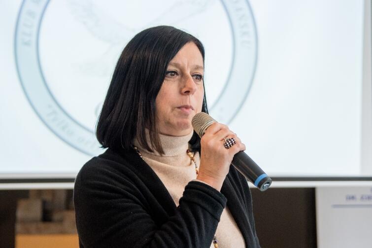 Ewa Szymska, dyrektor XV LO: - Wyróżniamy się pracą zespołową, empatią i zaangażowaniem społecznym