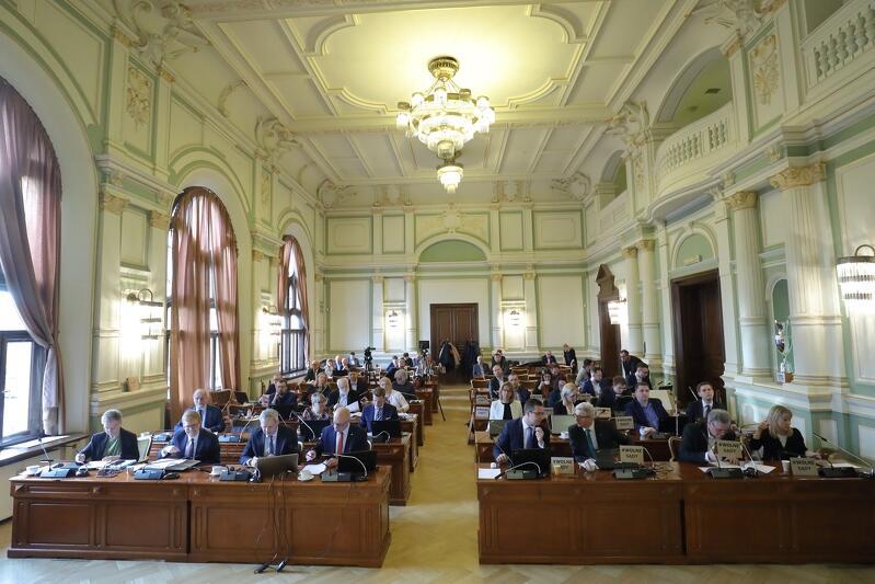 W czwartek, 30 stycznia, radni pracowali nad ponad 50 uchwałami