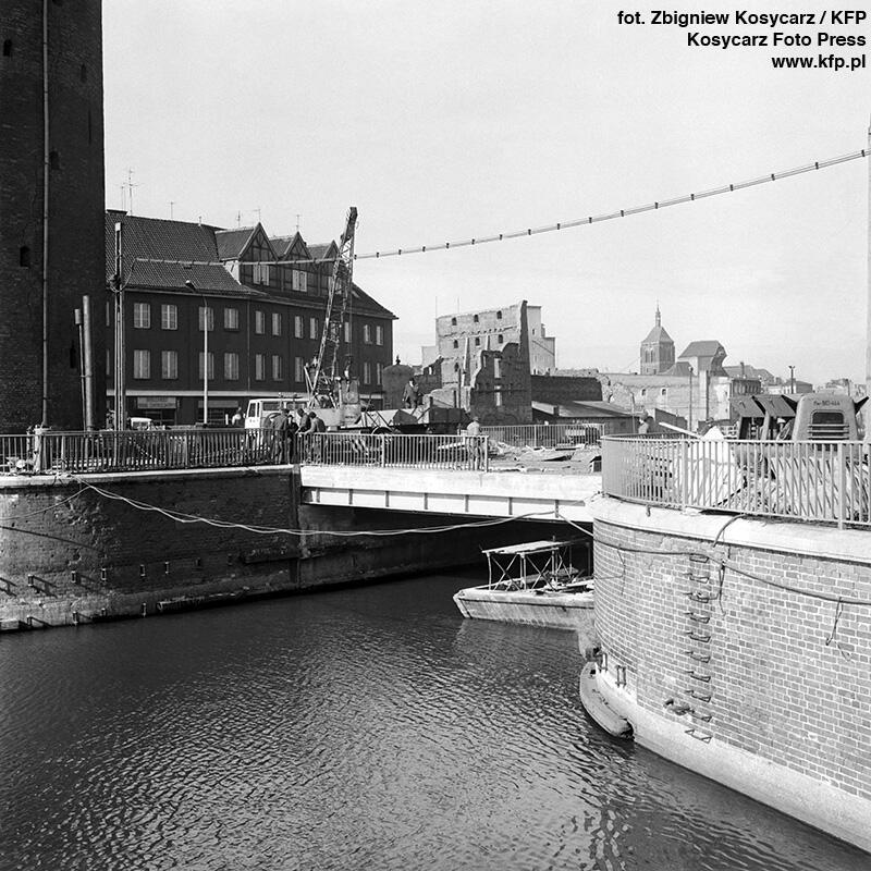 Most Stągiewny w kształcie w jakim znamy go dziś, oddano do użytku 3 marca 1973 r.