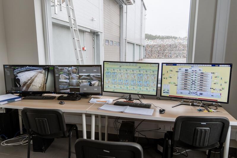 Ekrany umożliwiające nadzór m.in. nad każdą z 16 komór w kompostowni