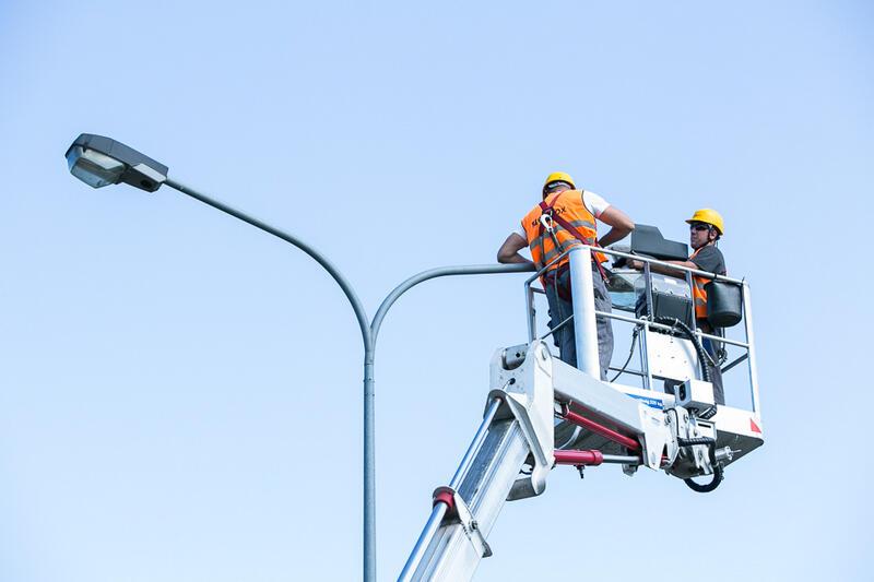 Pracownicy GZDiS wymienili i naprawili 310 masztów latarniowych
