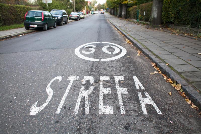 Na niektórych ulicach wprowadzono strefy 30