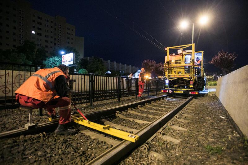 Jednym z waznych elementów były remonty i wymiana torów tramwajowych
