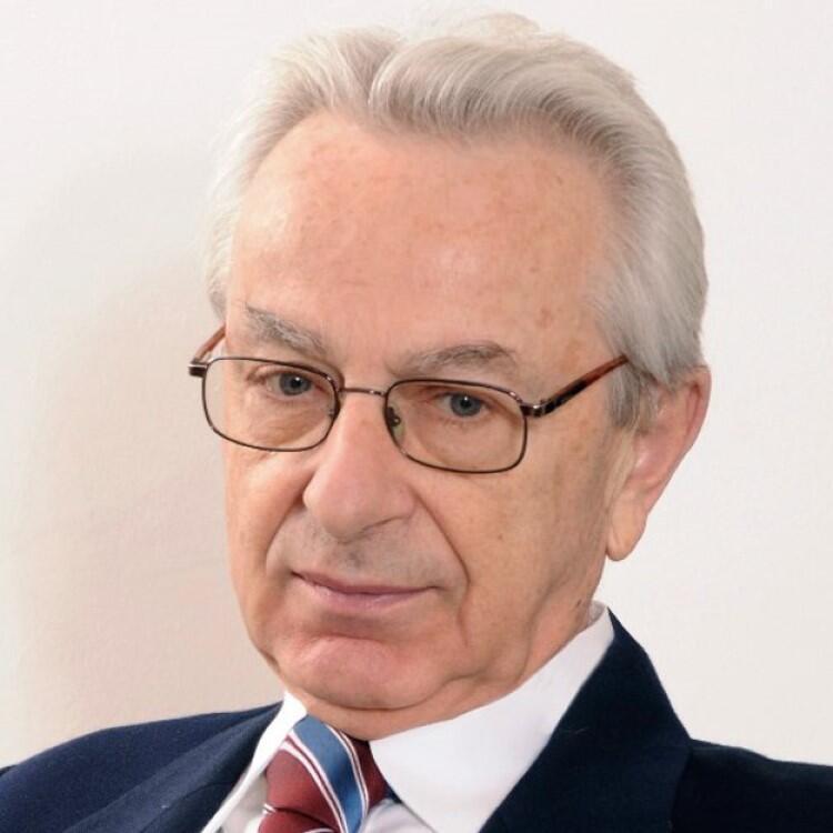 Prof. Zbigniew Lew-Starowicz to jeden z najbardziej znanych polskich seksuologów, psychiatra, psychoterapeuta i Krajowy Konsultant z zakresu seksuologii. Spotkanie odbędzie się w sobotę, 8 lutego, o godz. 11.30, Bibliotece Manhattan