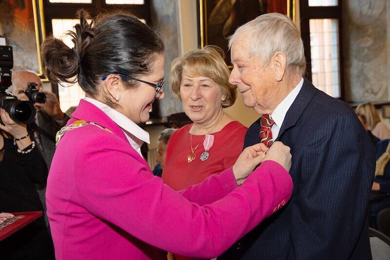 W dowód uznania za długoletnie pożycie małżeńskie pary otrzymały Medale Prezydenta Gdańska oraz Medale Prezydenta RP
