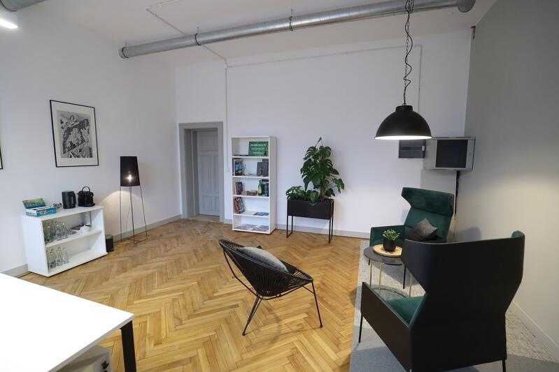 Zaaranżowany `show room` w rewitalizowanym budynku Dyrekcji Stoczni Gdańskiej - tak może wyglądać tutejsze biuro