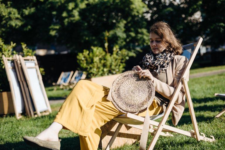 Pierwsza wakacyjna edycja Otwartego IKM odbyła się 8-9 czerwca na placu Kobzdeja w Gdańsku. Były to m.in. warsztaty ekologiczne. Dorota Dombrowska i Magda Dębna uczyły wykonywania modnych toreb z trawy morskiej