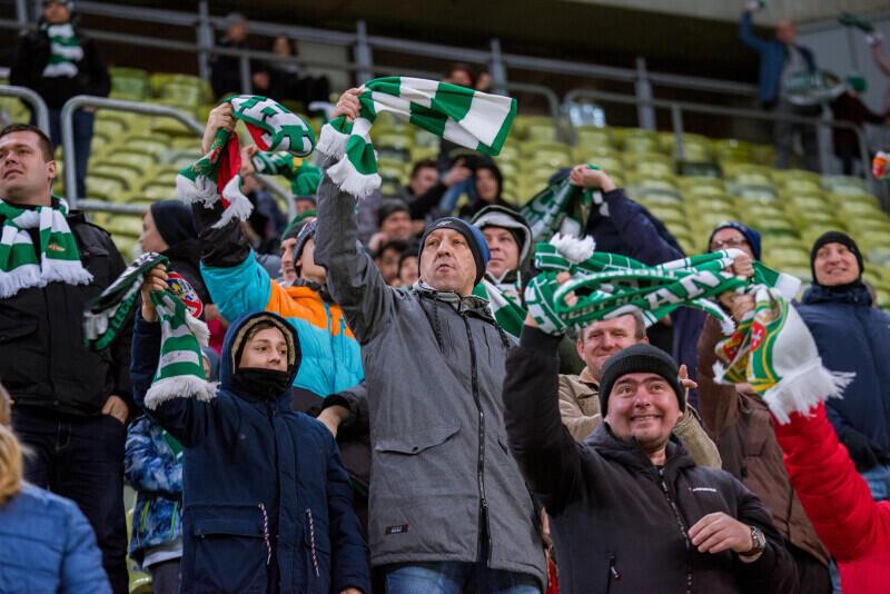 Kibice już w piątek, 14 lutego, mogą zobaczyć w akcji kilku nowych piłkarzy biało-zielonych