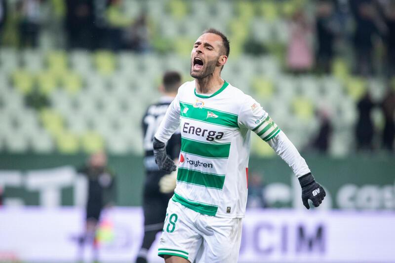 Mistrz, as, łowca - Flavio Paixao właśnie zdobył 50. gola dla Lechii