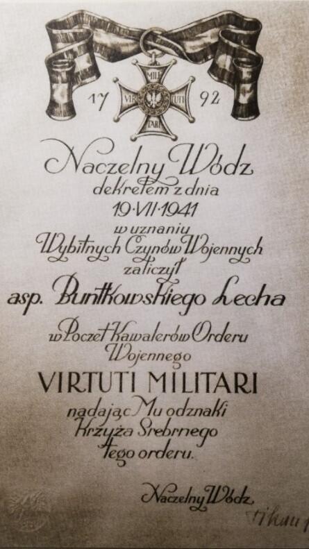 Dyplom potwierdzający nadanie orderu Virtuti Militari; pisownia nazwiska została urzędowo sprostowana w 1947 roku