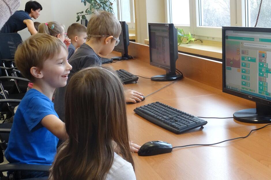 Pracownia komputerowa w SP 89 w Gdańsku