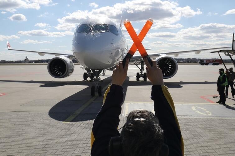 Gdańskie lotnisko bada temperaturę ciała pasażerów przylatujących z włoskiego Bergamo