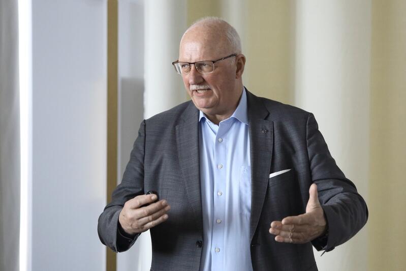 Nz. Tammo Voigt – reprezentant Międzynarodowego Stowarzyszenia Transportu Publicznego (UITP) i pełnomocnik ds. elektromobilności w firmie Daimler Buses